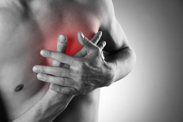 Dolor en el pecho al toser: causas - Qué puede causar un dolor en el pecho