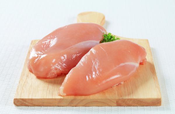 Alimentos para aumentar masa muscular - Pechuga de pollo, carne roja y pescado