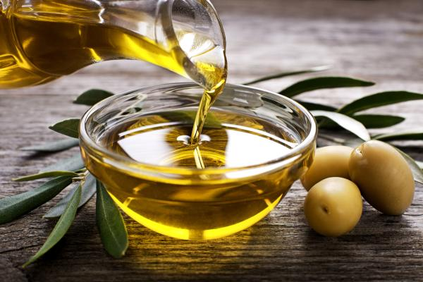 Cómo usar el aceite de oliva para adelgazar abdomen