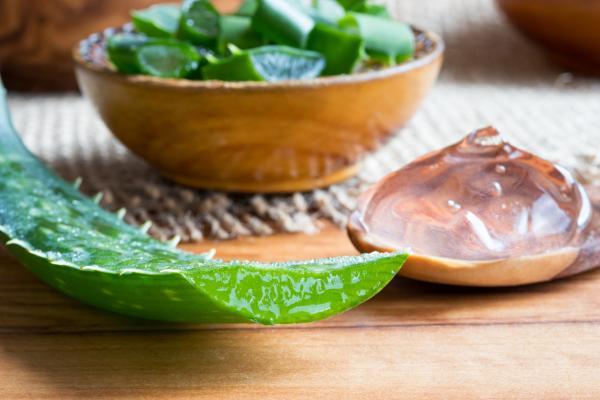 Por qué sale caspa en las pestañas y cómo tratarla - Remedios caseros para el tratamiento de caspa en las pestañas