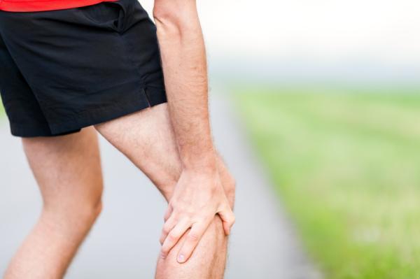 Por qué me duelen las piernas al caminar