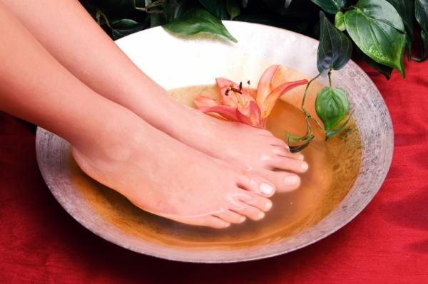 Remedios caseros para quitar el dolor de pies - Menta y eucalipto