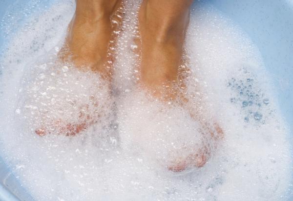 Por qué tengo la uña del pie blanca - Tratamiento de las uñas blancas en los pies o leuconiquia