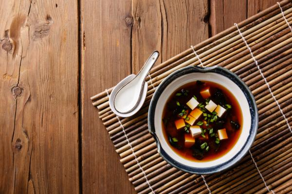 Cómo adelgazar teniendo hipotiroidismo - Consumir alimentos ricos en yodo