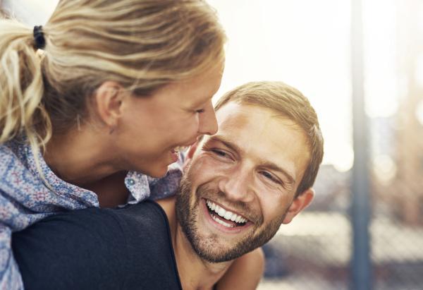 10 beneficios de reír para la salud - Rejuvenece