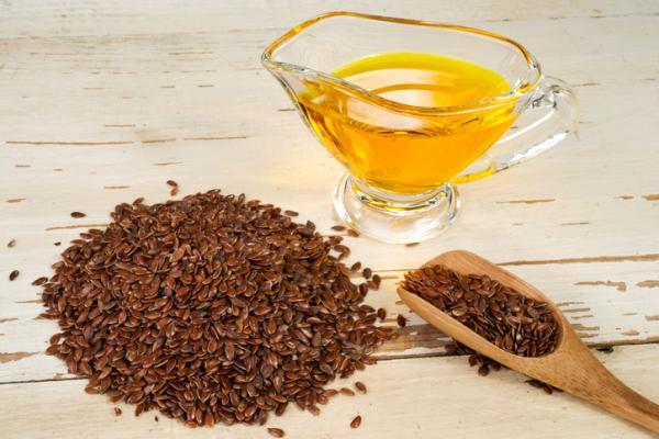 Remedios caseros para aliviar los ojos secos - Aceite de linaza para el ojo seco y otros alimentos
