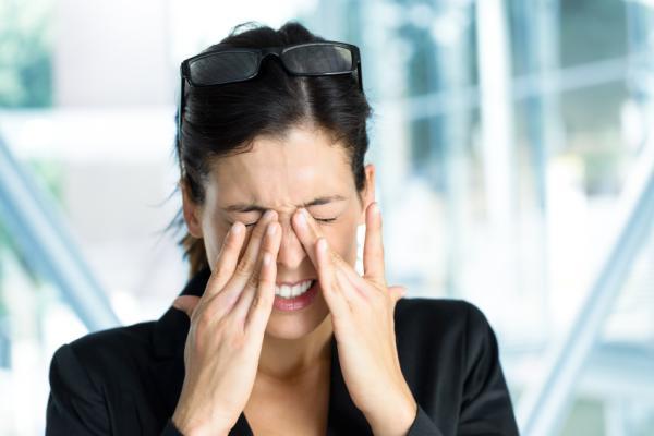 Remedios caseros para aliviar los ojos secos - Causas de los ojos secos