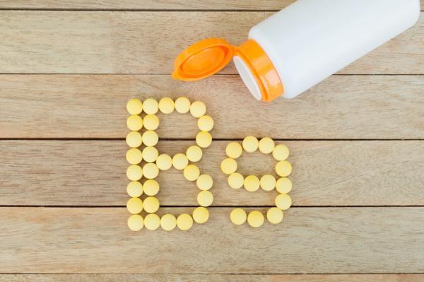 Ácido fólico en hombres: para qué sirve, beneficios y cómo tomarlo