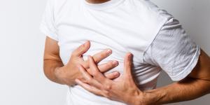 Dolor entre las costillas: causas y tratamiento