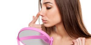 Granos dentro de la nariz: por qué salen y cómo quitarlos