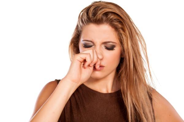 Granos dentro de la nariz: por qué salen y cómo quitarlos - Por qué salen los granos dentro de la nariz
