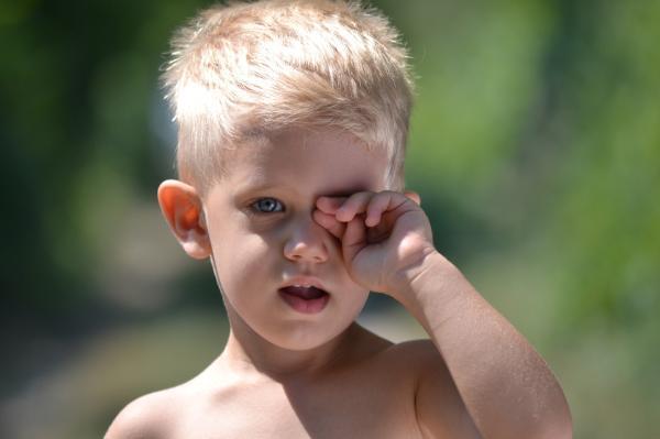 Ojo vago: qué es y ejercicios para corregirlo - Ojo vago: síntomas