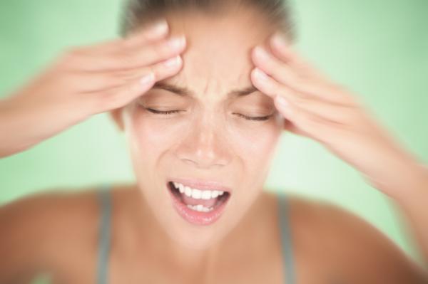 Hormigueo en la cara: causas - Hormigueo en la cara y dolor de cabeza: migraña