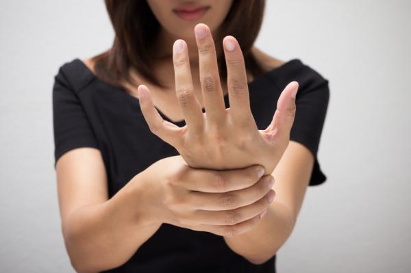 Palmas de las manos rojas: causas - Lo que las manos dicen de tu salud