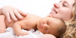 ¿Cuánto mide un bebé al nacer aproximadamente?