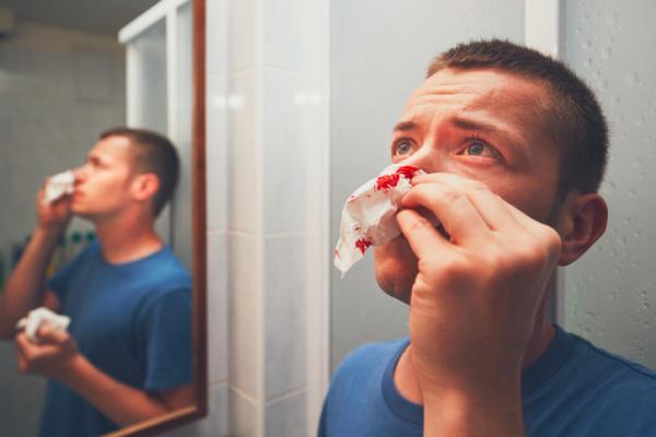 Sabor a sangre en la boca: causas y tratamiento - Sabor a sangre por hemorragia en zonas cercanas a la boca