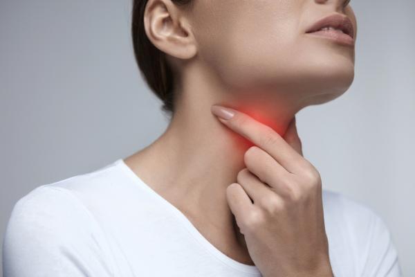Dolor debajo de la lengua: causas y tratamiento - Angina de Ludwig