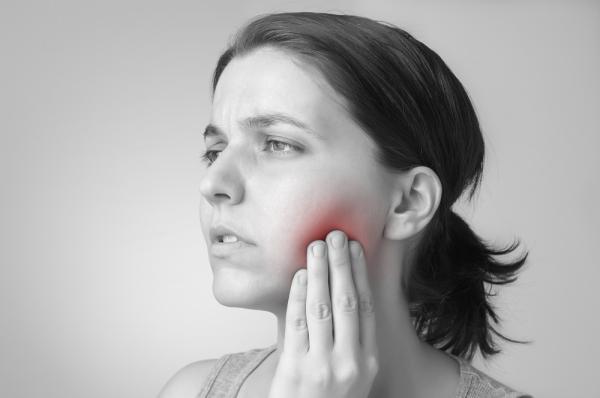Bolita en la boca: causas y soluciones