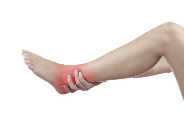 Me duele el tobillo pero no está hinchado: ¿qué puede ser?