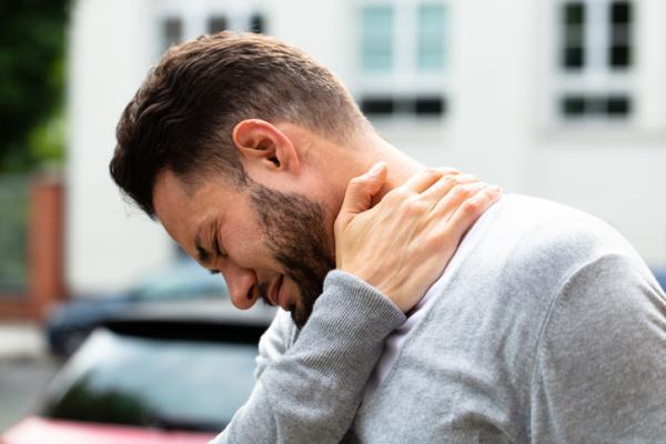 Bolas en el cuello por estrés: causas y tratamiento - Inflamación de un ganglio linfático