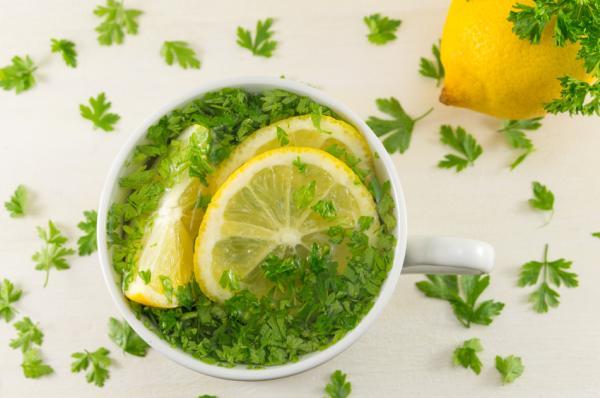 Té de perejil para adelgazar rápido - beneficios y cómo prepararlo - Cómo preparar el té de perejil para adelgazar - receta