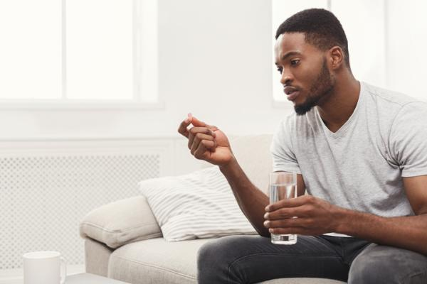 ¿Puedo tomar omeprazol y alprazolam juntos?