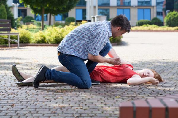 Síncope vasovagal: causas y tratamiento - Qué hacer si alguien sufre un síncope vasovagal