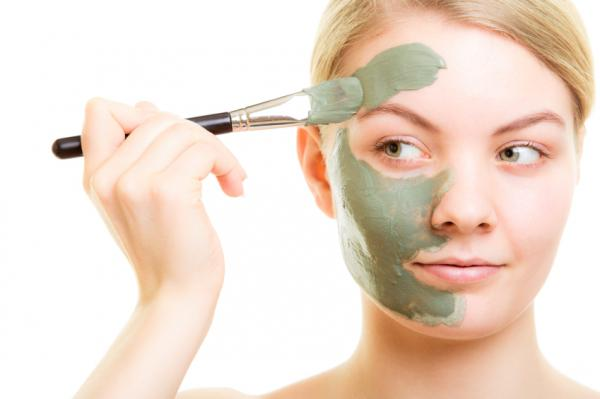 Remedios caseros para la piel grasa y con granos - Arcilla verde, increíble remedio para la cara grasosa y espinillas