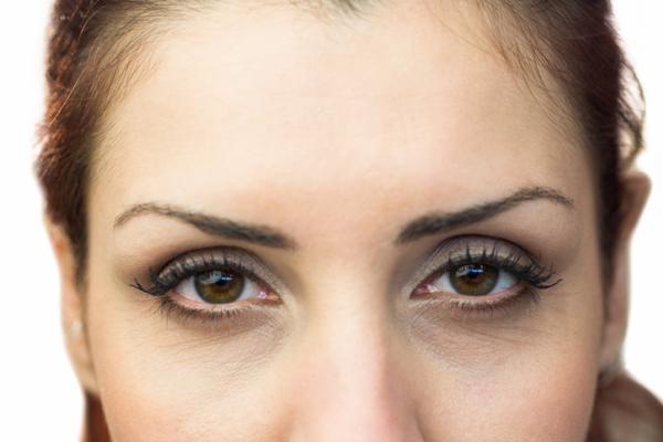Ojos secos por ansiedad: causas y tratamiento - Síndrome del ojo seco o SOS