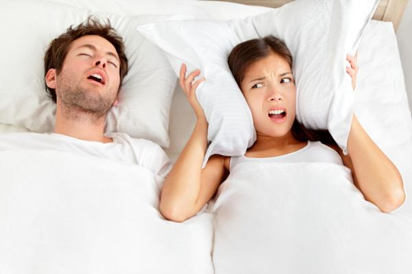 Cómo dormir para no roncar - La postura correcta para dejar de roncar
