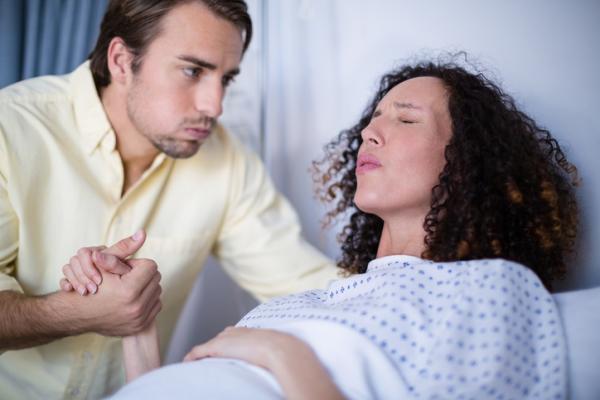 Fractura de coxis: secuelas y consecuencias - Parto complicado por rotura del cóccix