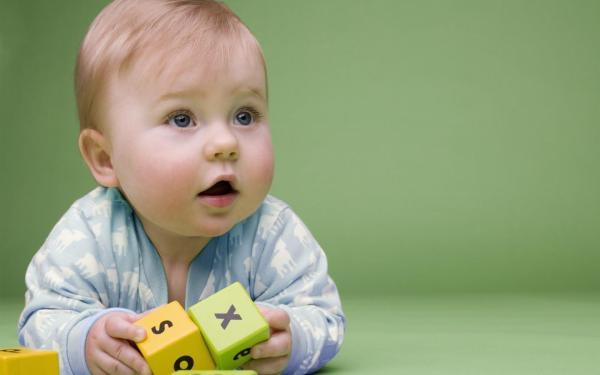 Reflejo tónico del cuello en bebés