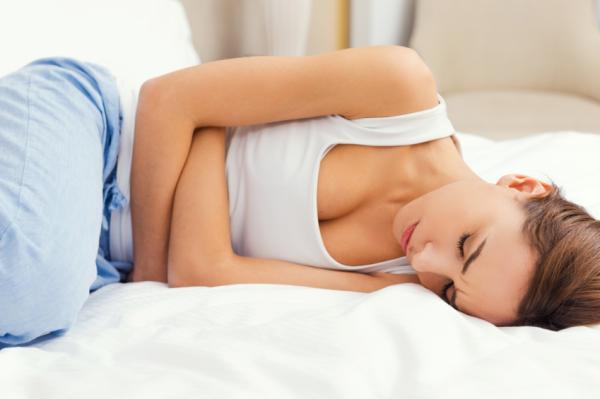 Gases en el pecho: síntomas y cómo eliminarlos - Causas de los gases en el pecho