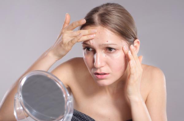 10 señales de que necesitas tener relaciones - 3. Tu piel luce apagada y sin luminosidad