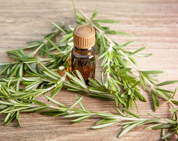Calambres en las piernas: causas y remedios caseros - Aceites esenciales, antiinflamatorios naturales