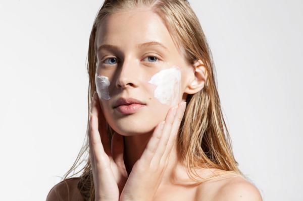 Cómo quitar quemaduras de sol en la cara - Quemaduras de sol en la cara: tratamiento