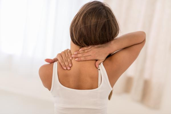 Dolor de espalda alta y cuello: causas, tratamiento y ejercicios