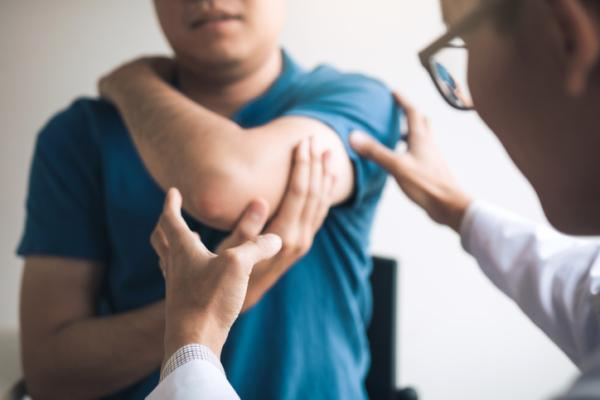 Dolor en el codo al tocarlo: causas y tratamiento - Tratamiento del dolor en el codo al tocarlo