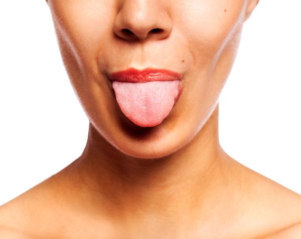 Puntos rojos en la lengua: por qué salen y cómo curarlos
