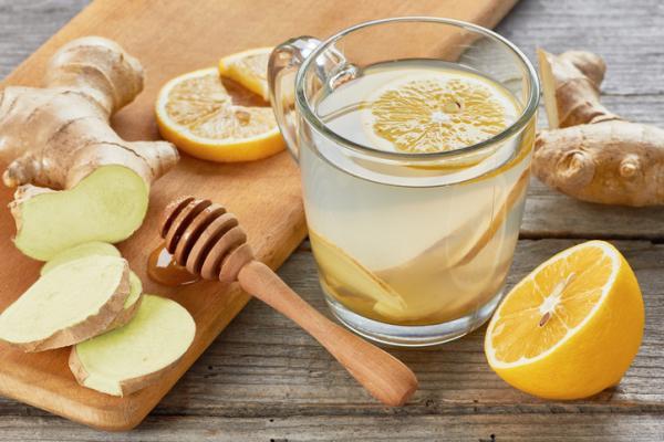 Agua de jengibre y limón: beneficios y cómo se prepara