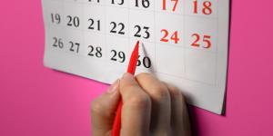 ¿Cuánto tiempo retrasa la menstruación la pastilla del día siguiente?