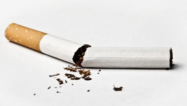 Mucosidad en la garganta constante: causas - Mucosidad en la garganta permanente por fumar