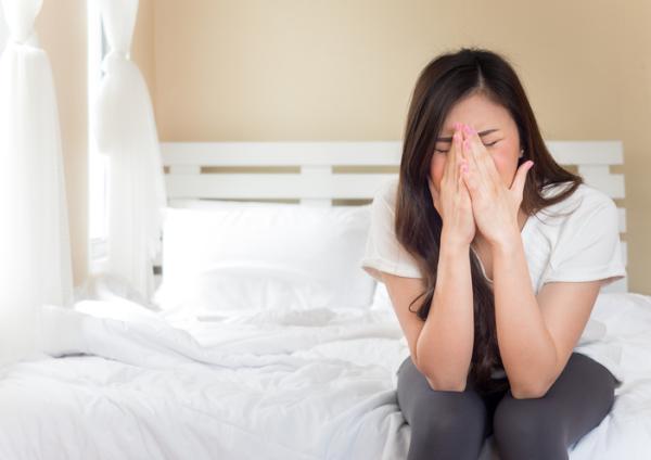 Dolor de cabeza por estrés: síntomas y remedios caseros