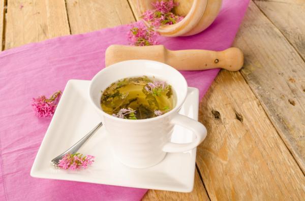 Tés para desinflamar el estómago - Valeriana (valeriana officinalis)