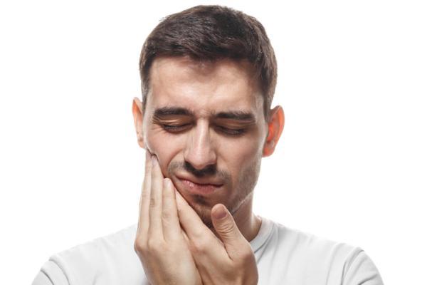 Presión en los oídos: causas y tratamiento - Problemas en la articulación de la mandíbula