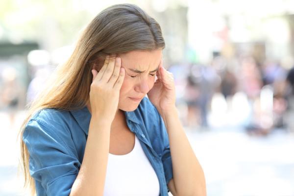 Presión en los oídos: causas y tratamiento - Sensación de presión en los oídos por un problema del equilibrio