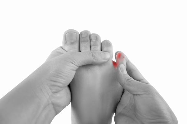 Dolor en el dedo meñique del pie: causas y tratamiento