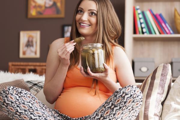Los 10 mitos sobre el embarazo ¡Descubre la verdad! - Los antojos que no cumples se marcan en tu hijo