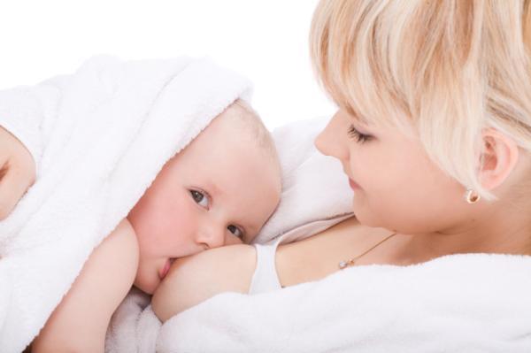 Cómo producir más leche materna de forma natural
