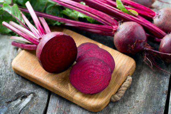 Orina rosada: causas y tratamiento - Alimentos